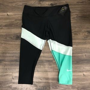 Nike Pants - Nike Mesh Capri Legging New